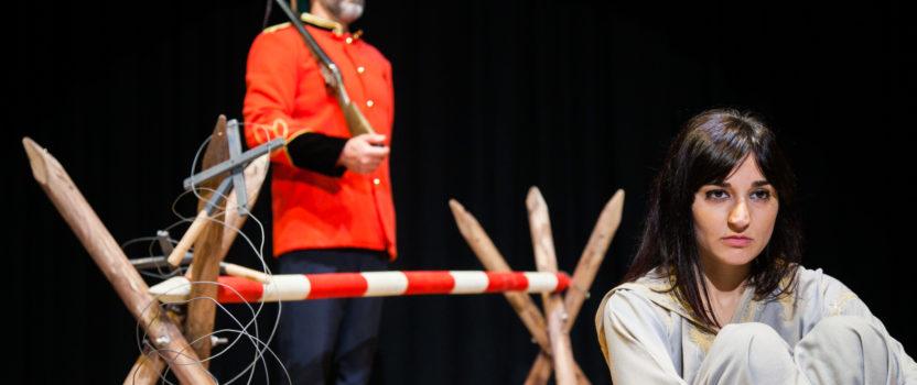 Culturactiva e Pallasos en Rebeldía levan á escena 'O Valo', un texto teatral sobre as persoas refuxiadas